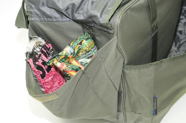 Die aufgesetzten Taschen bieten Platz für alles, das griffbereit sein muss.